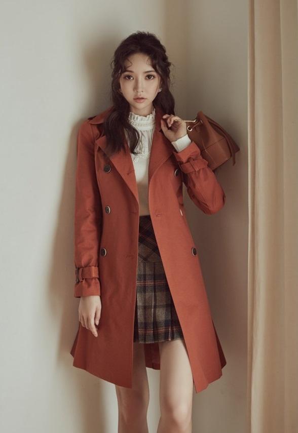 top 7 mẫu áo khoác kaki nữ cực đẹp