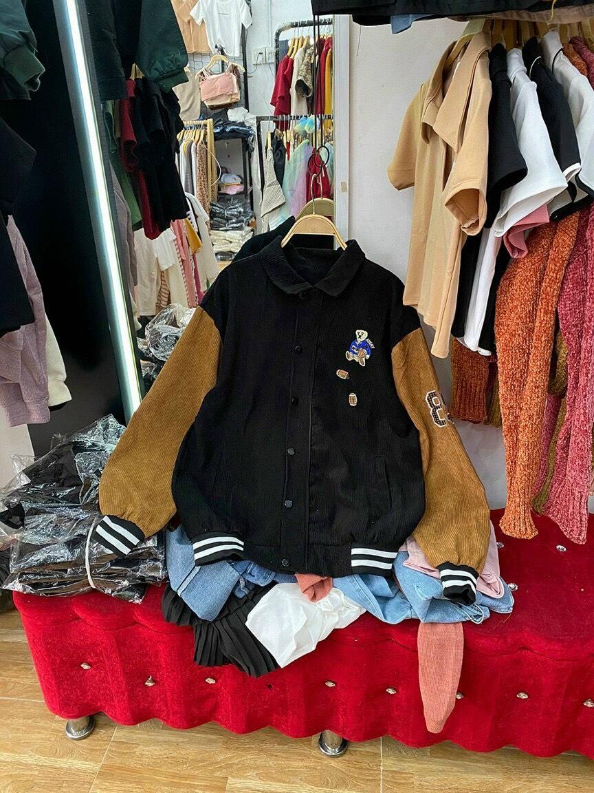 Áo khoác nhung  kiểu bomber thêu logo thời trang