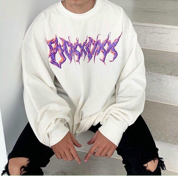 Áo sweater in ký hiệu dễ thương
